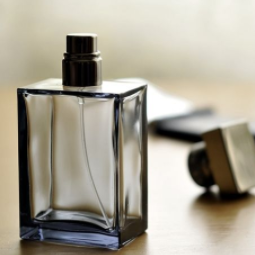 浓香和淡香的区别 EDT和EDP是是什么意思